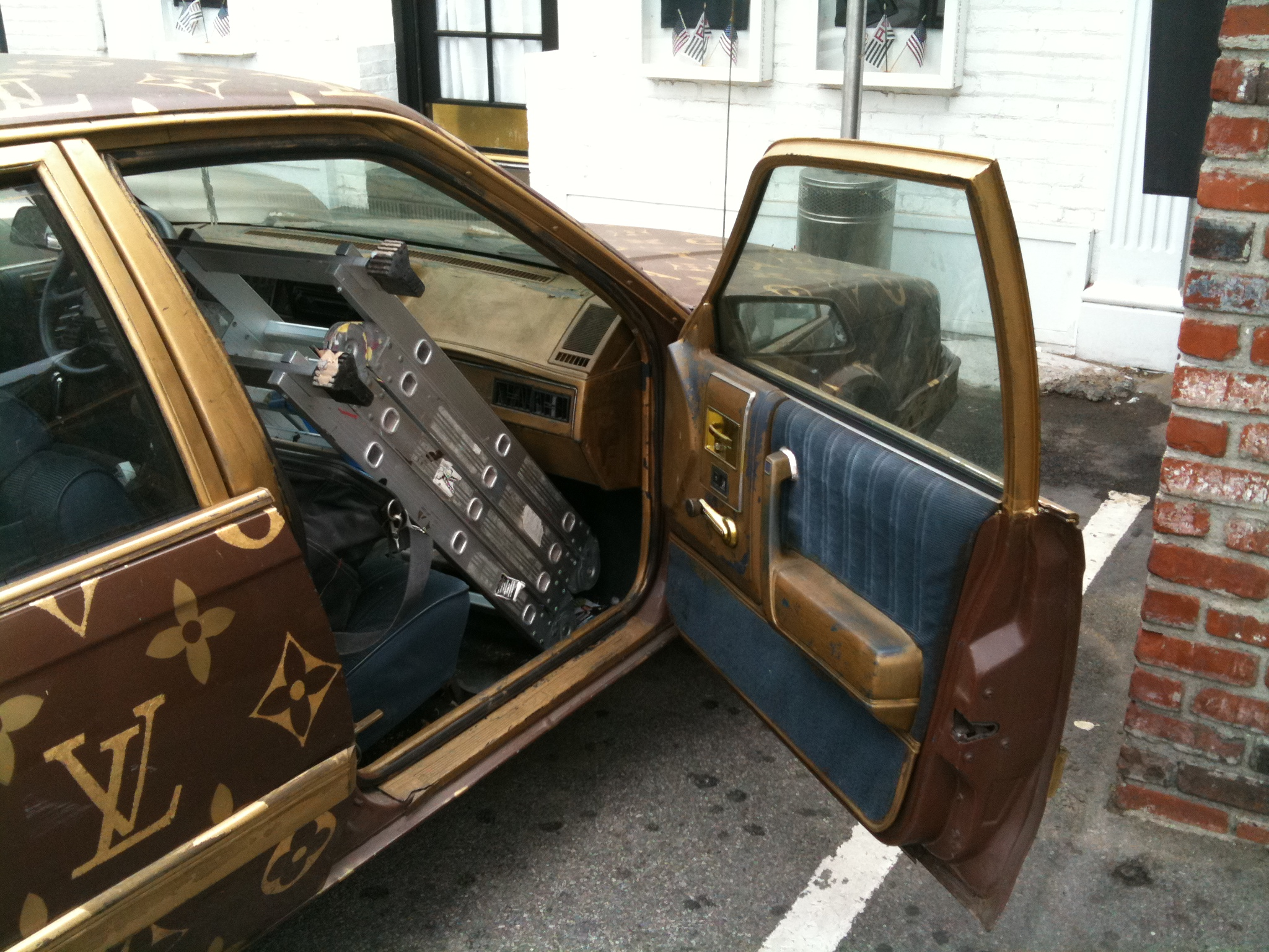 louis vuitton oldsmobile how hideous can it be todd bianco 39 s blog. Black Bedroom Furniture Sets. Home Design Ideas