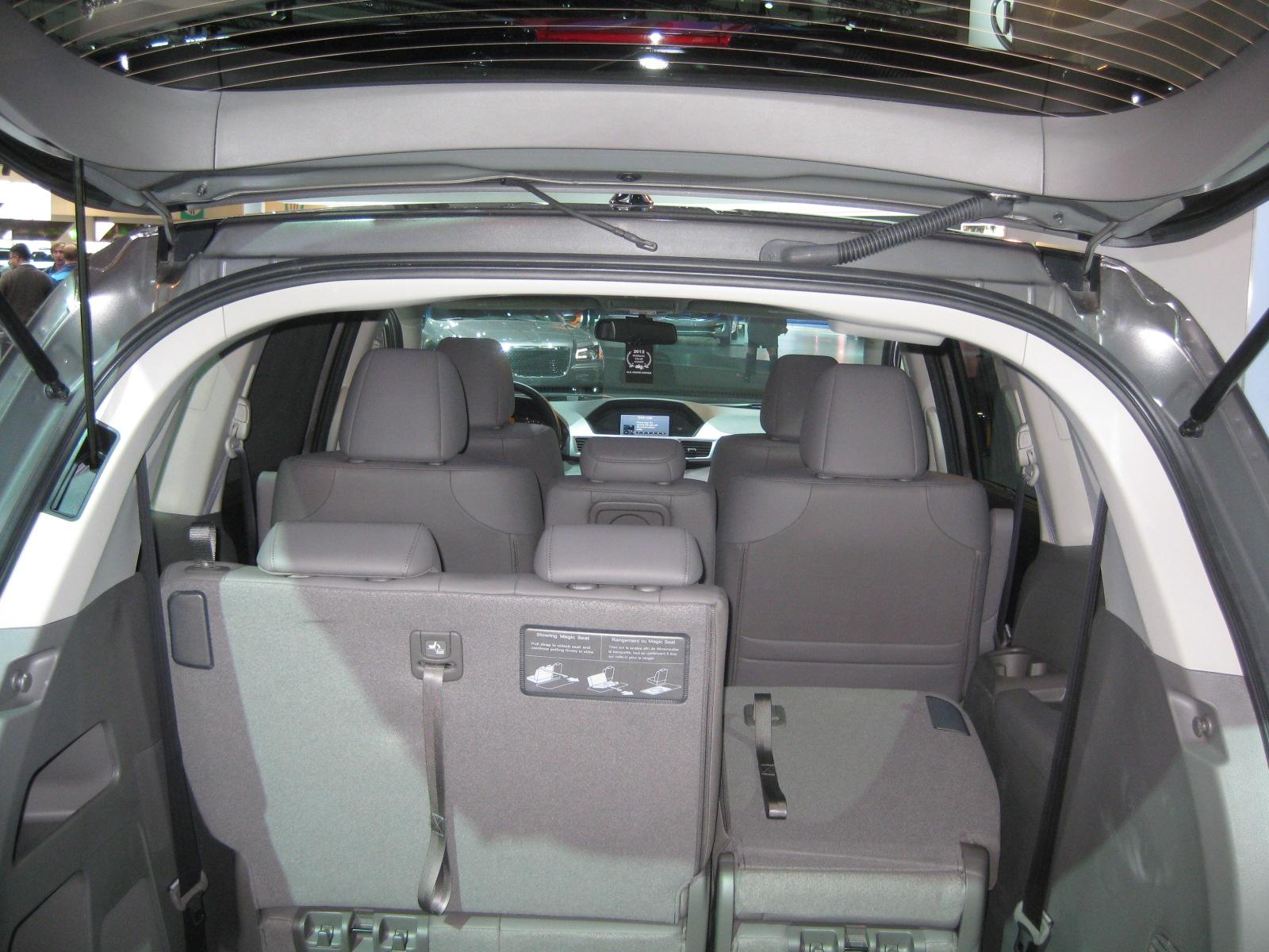 500c gucci edition todd bianco 39 s acarisnotarefrigerator for Honda accord cargo space