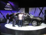 There's no hiding the size of the 2013 Infiniti JX. Maybe that's the point of it - a large family hauler laden with Infiniti luxury.