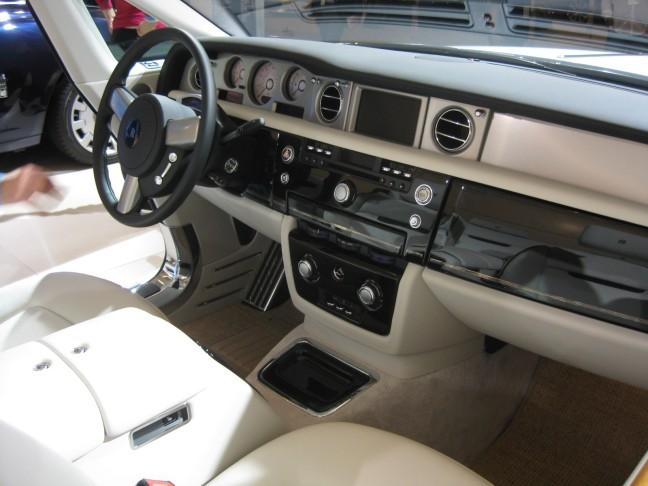2012 Rolls Royce Phantom Drophead Coupe front seats.