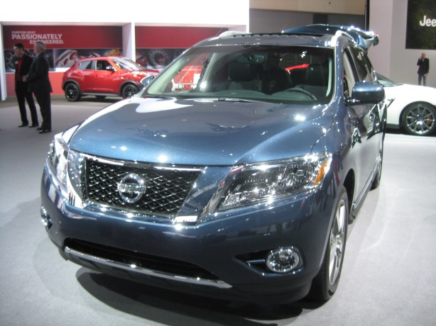 2013 Nissan Pathfinder - front