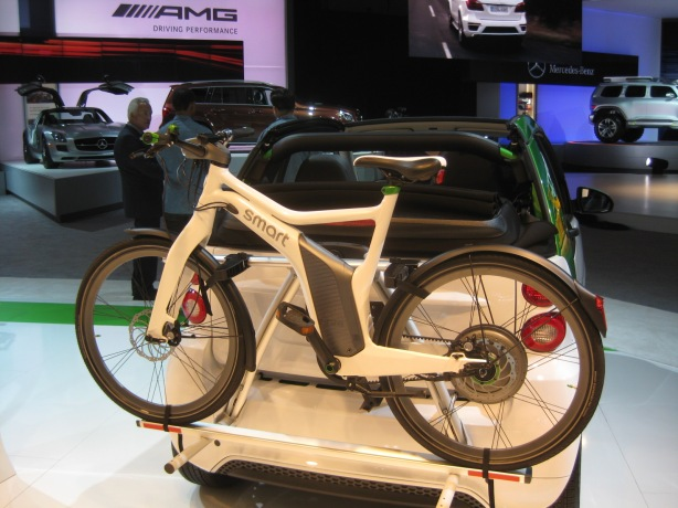 The smart ED bicycle is a fantastic design. The reps told me that it will be sold in the U.S., but there is no specific launch date. It will be expensive, probably in the $3,500 range.