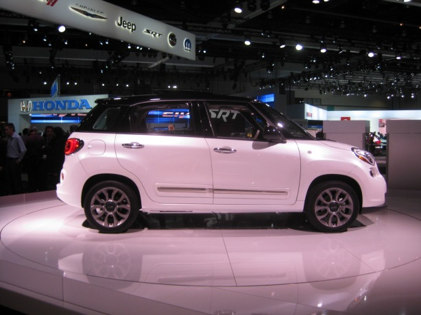 2014 Fiat 500L. From almost any angle, it reminds you of the Countryman.