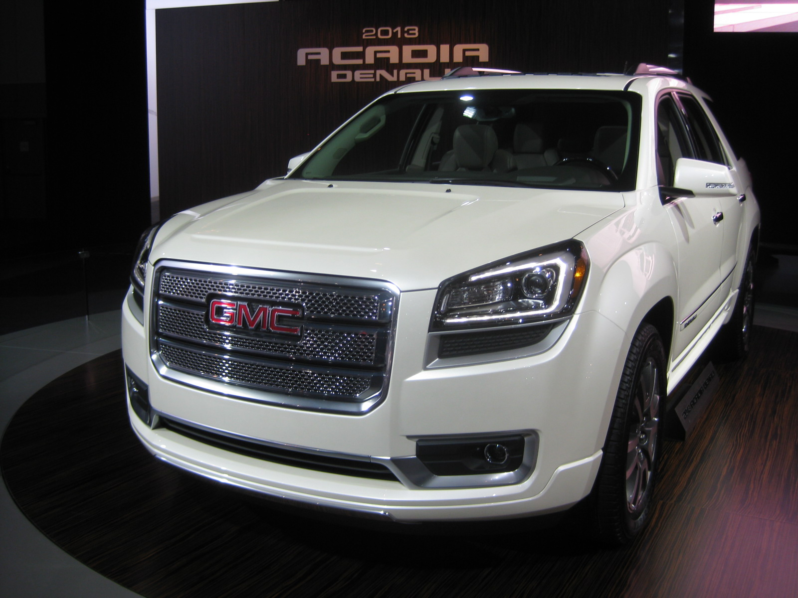 at and review by on the gmc in illinois photos acadia chicago february feb denali auto display show yaro