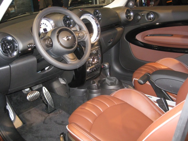 The interior of the 2013 Paceman is typical MINI Countryman.