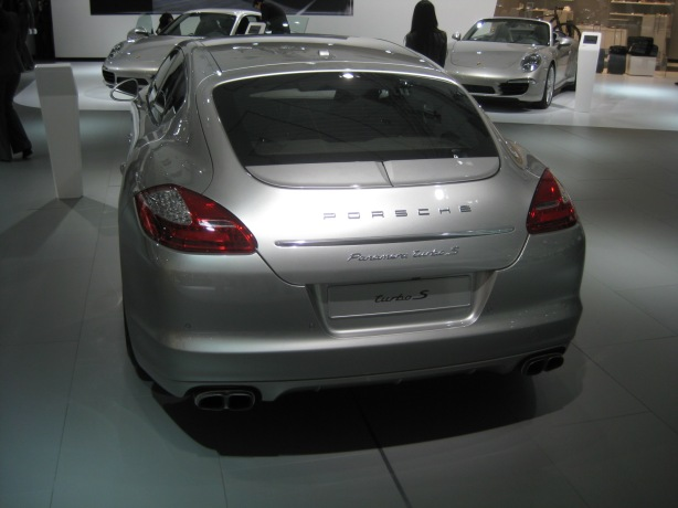 The behind of the 2013 Panamera Turbo S is still a too bulbous, but it does make for good rear headroom.