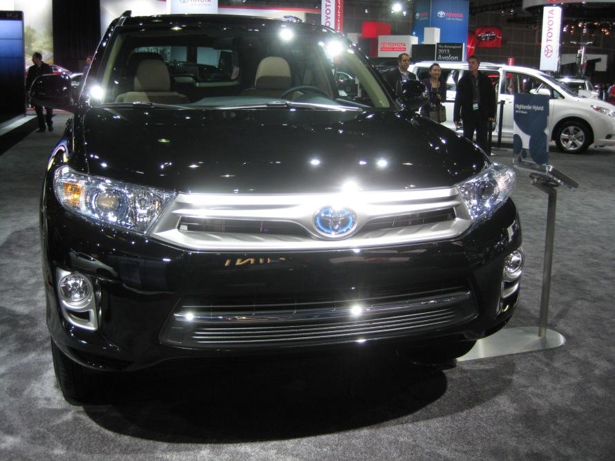 Toyota – 2014 Highlander Hybrid front | Todd Bianco's