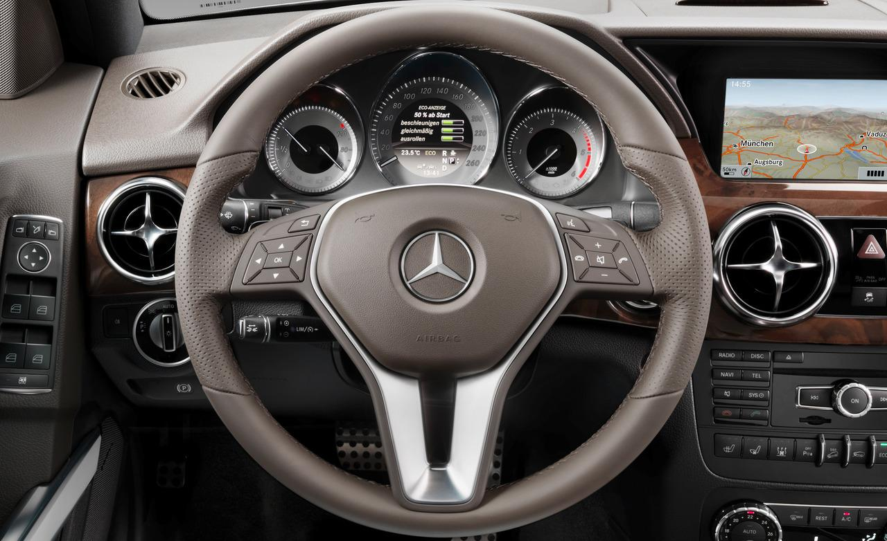 the instrument panel and steering wheel feel properly upscale and very mercedes benz - Mercedes Glk 2013 Interior