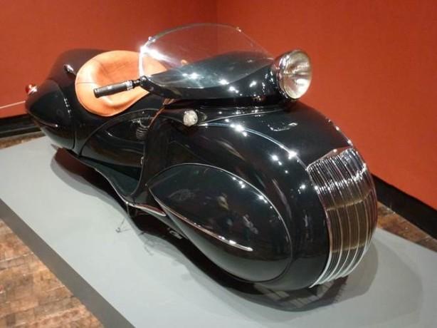 1930 KJ Henderson Streamline
