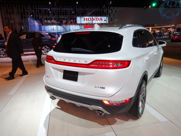 LAAutoShow Day 1 017 Lincoln MKC rear