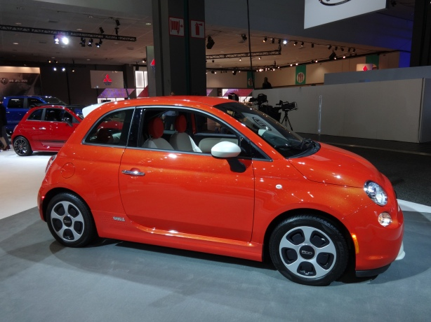 LAAutoShow Day 1 055 2014 Fiat 500E