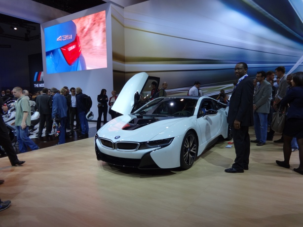LAAutoShow Day 1 125 2015 BMW i8 ext