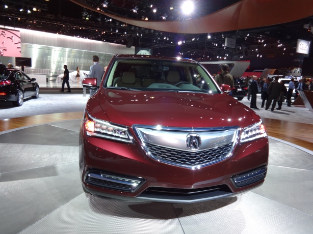LAAutoShow Day 1 162 2014 Acura MDX front