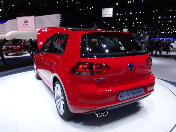 LAAutoShow Day 1 167 2015 Golf TDI rear