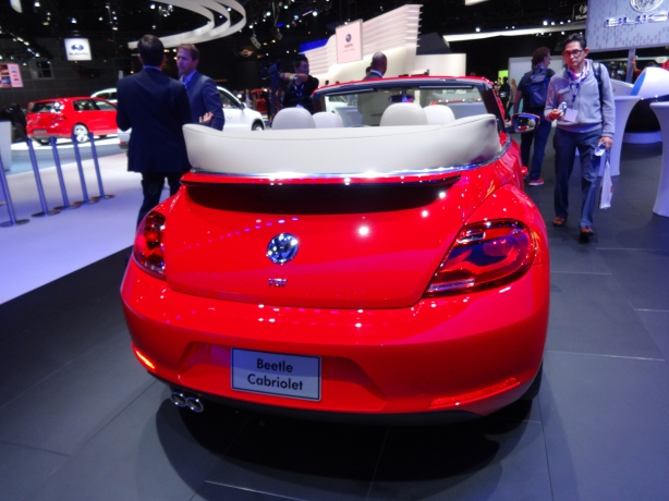 LAAutoShow Day 1 175 2014 VW Beetle Cabriolet TDI