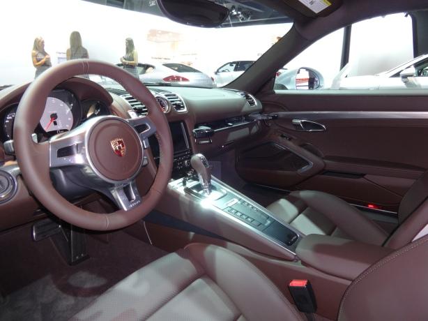 LAAutoShow Day 2 (3) 2014 Porsche Cayman S interior