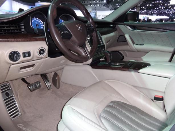 LAAutoShow Day 2 (39) 2014 Maserati Quattroporte Zegna Edition