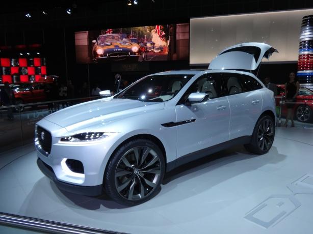 LAAutoShow Day 2 (43) Jaguar CX17 concept SUV