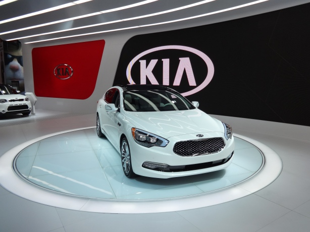 LAAutoShow Day 2 (6) Kia K900 front