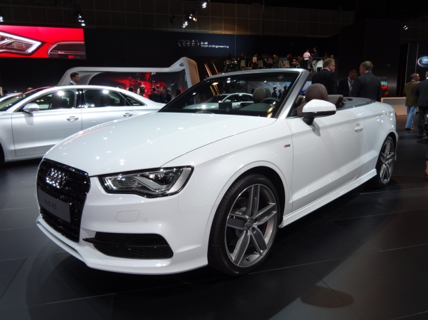 LAAutoShow Day 2 (68) 2015 Audi A3 Cabriolet front left
