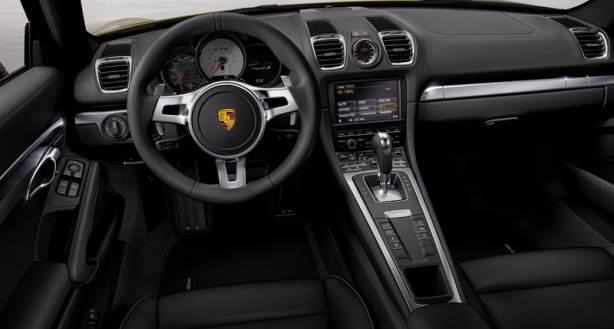 Interior of the 2014 Porsche Cayman.
