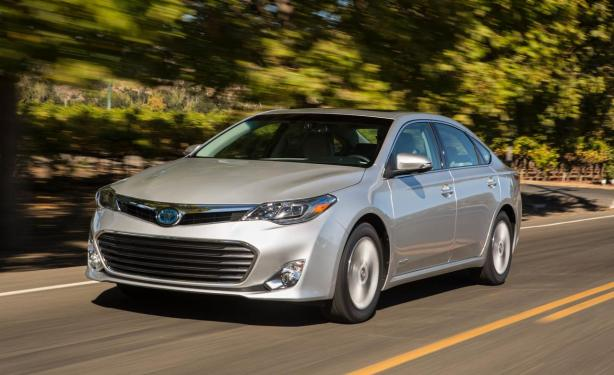 The 2014 Toyota Avalon Hybrid Limited is also a good alternative to the MKZ.
