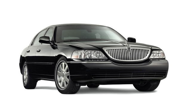 black lincoln car 2015. a 2011 lincoln town car this is how most people remember from the end black 2015