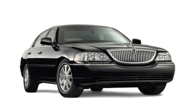 A 2011 Lincoln Town Car. This is how most people remember Lincoln from the end of the 20th Century.
